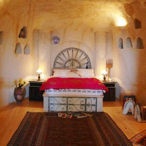 Sleep in a cave (hotel) in Turkey