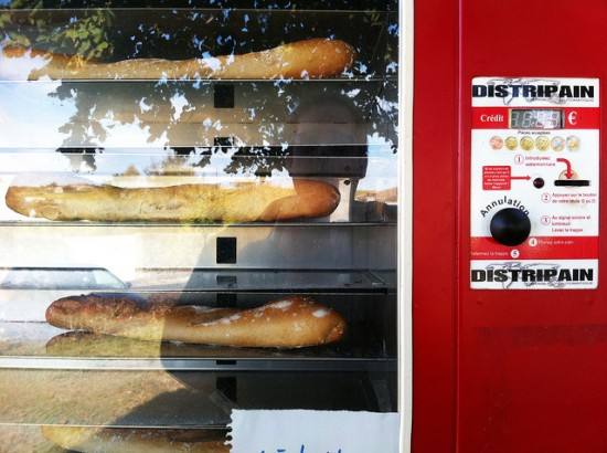 Baguette vending machine