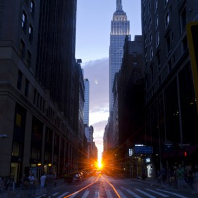 Manhattanhenge: NYC even does its sunsets in style