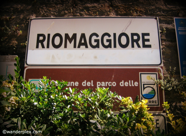 Riomaggiore-Cinque-Terre-Italy-Sign